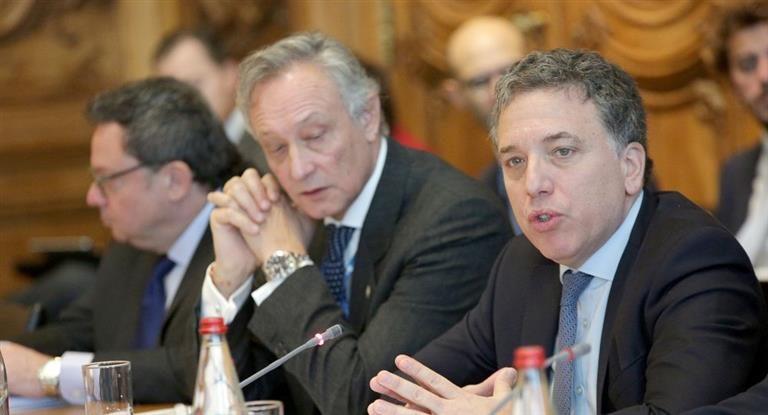 """Dujovne prometió a la OCDE: """"Cuando pase esta tormenta, veremos una economía más competitiva"""""""
