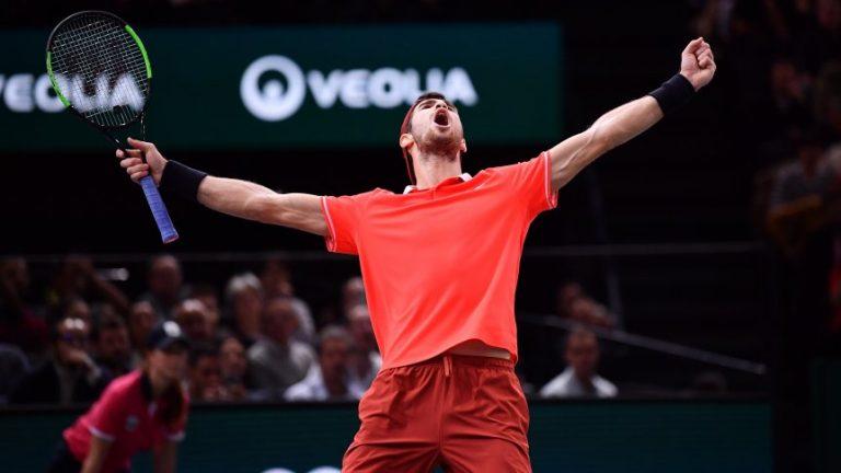 Tenis: Khachanov dio el batacazo ante Djokovic y se consagró campeón de París