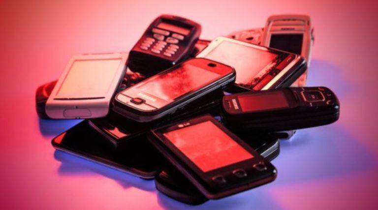 Durante el primer trimestre del año, la producción de celulares cayó 33%