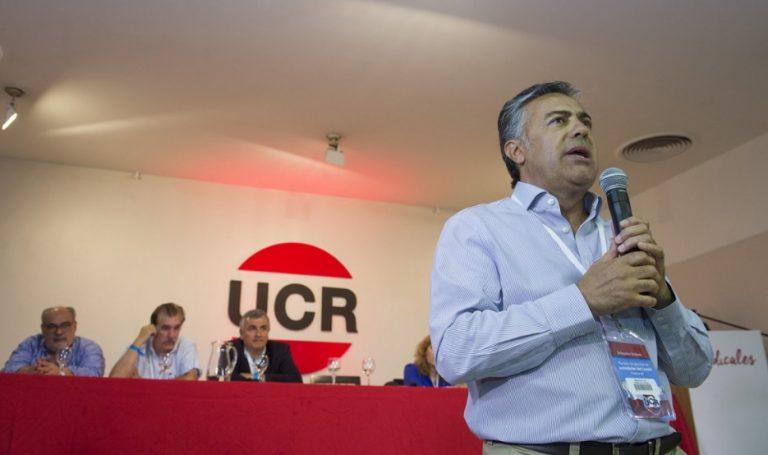 El radicalismo define este lunes su estrategia electoral en la convención Nacional