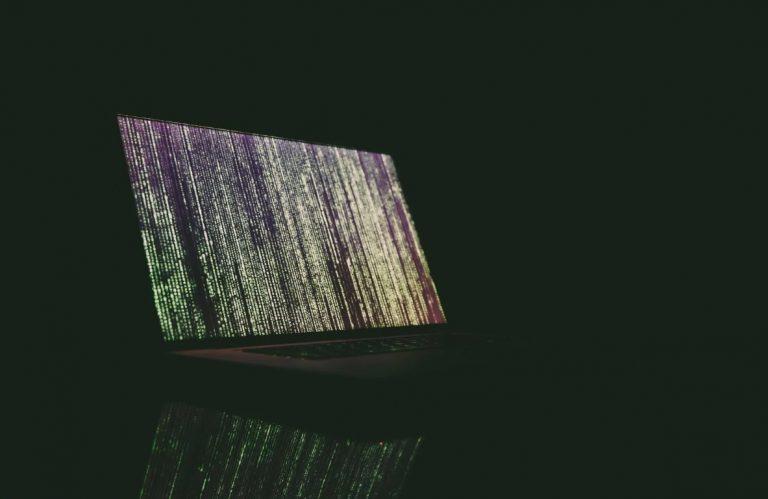 Un ingeniero creó un archivo comprimido que arruina computadoras