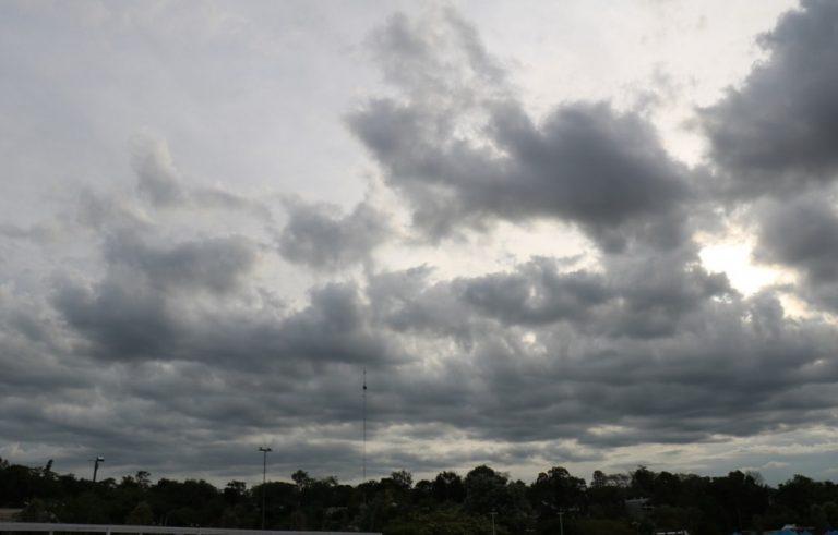 Tiempo: vuelven los chaparrones y lluvias para este lunes por la noche