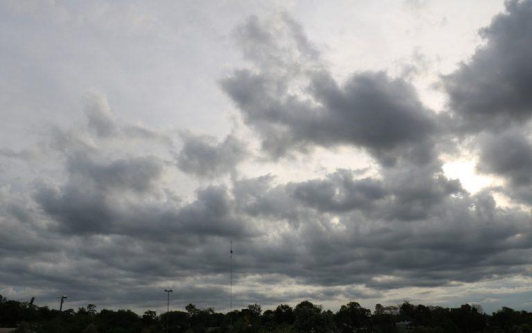 Tiempo: lunes con cielo nublado y máxima de 23°