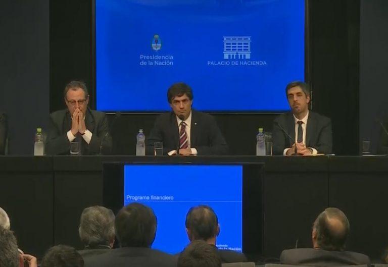 """Lacunza: """"Hemos propuesto al FMI iniciar el diálogo para reperfilar los vencimientos de deuda"""""""