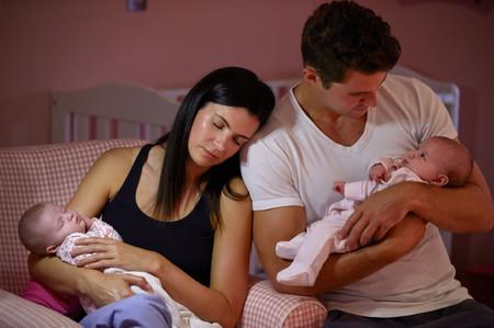 Padres pierden entre 400 y 750 horas de sueño el primer año de vida de sus hijos