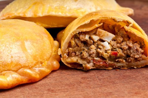 La ANMAT prohibió una marca de empanadas, una prepizza y varios alimentos a base de almendras