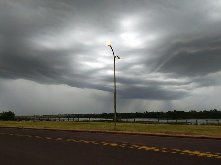 Alerta por tormentas intensas, caída de granizo y fuertes ráfagas de viento en el sur de Misiones