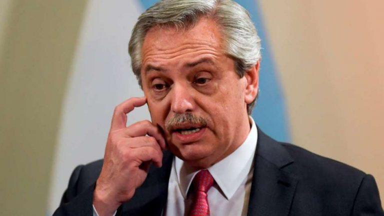 """El Presidente pidió denunciar a quienes """"aumentan los precios y rompen los acuerdos"""""""
