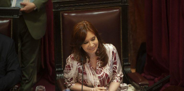Cristina regresa de Cuba para las sesiones extraordinarias en el Congreso