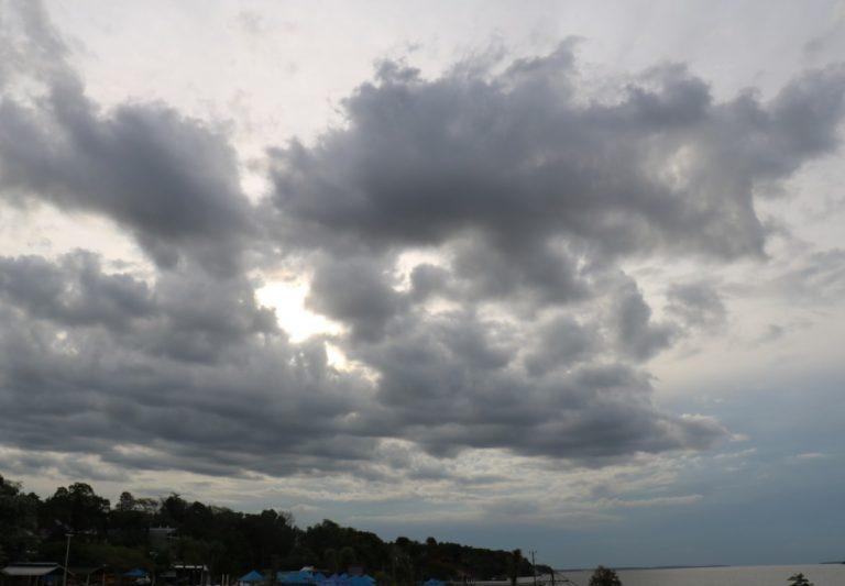 Sábado con cielo parcialmente nublado y algo inestable por la tarde