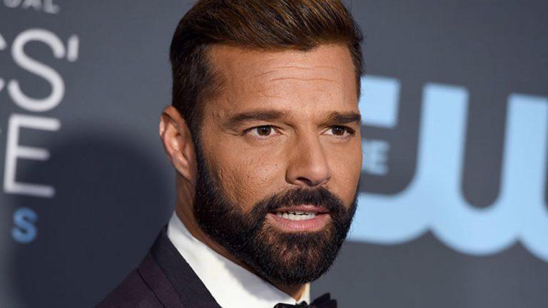 """""""¡Brutos e ignorantes!"""": Ricky Martin contra quienes no respetan el aislamiento"""