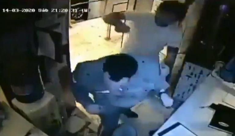 Se negó a cumplir cuarentena por coronavirus y agredió a un vigilador de su edificio