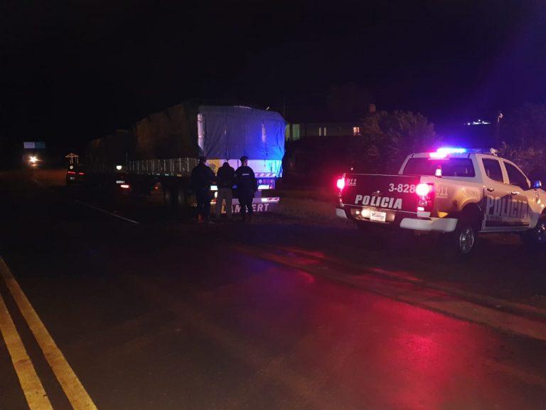 Imprudencia al volante: conducía un camión en aparente estado de ebriedad y terminó detenido