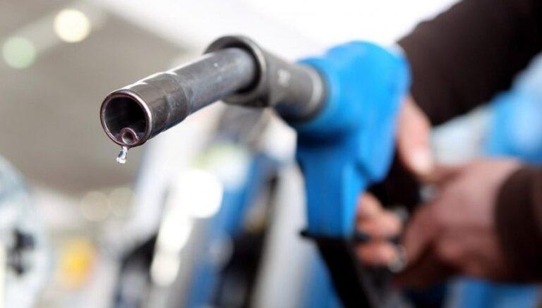 Combustibles: el Gobierno prorrogó una suba de impuestos y evitó un nuevo incremento