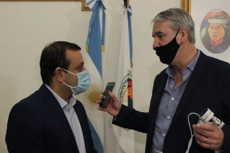 Vanguardia: se entregaron los primeros termómetros inteligentes fabricados en Misiones