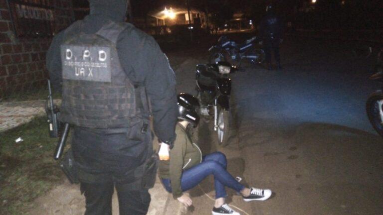 Interceptaron en Garupá a un motociclista de 17 años que llevaba marihuana