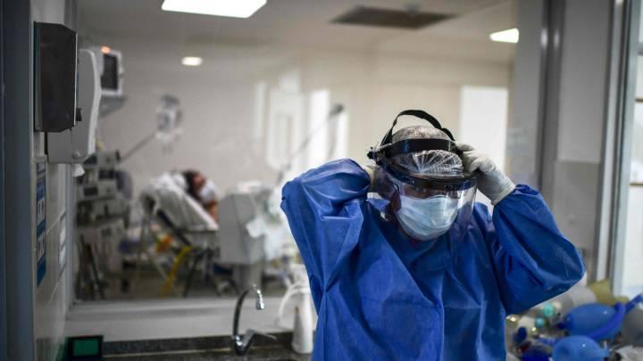 """La OMS asegura que la nueva variante del coronavirus """"no está fuera de control"""""""