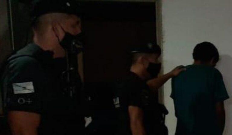 Jóvenes causaron desorden, intentaron agredir a policías y terminaron presos en Posadas