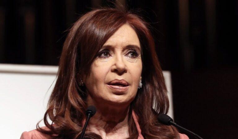 Cristina Kirchner renuncia a su sueldo como vicepresidenta
