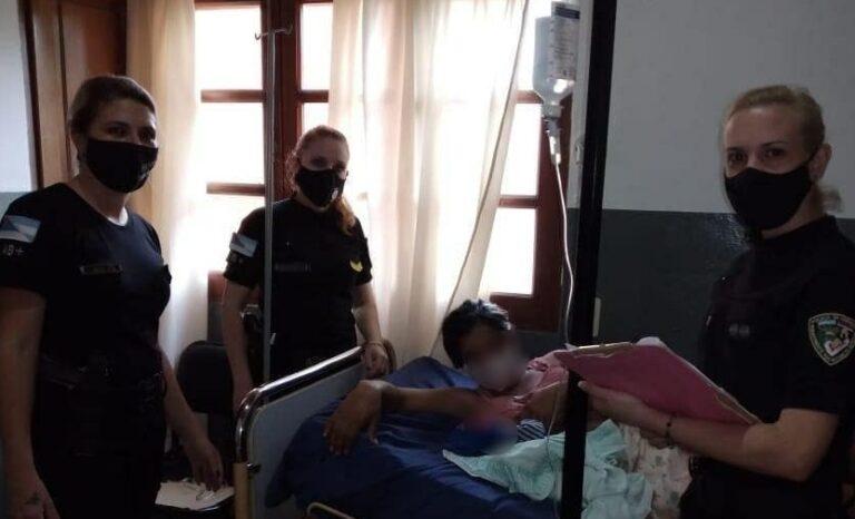 Policías asistieron a una joven durante el trabajo de parto en 25 de Mayo