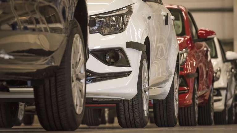 Para comprar un auto en el país se necesitan casi unos 20 salarios promedio