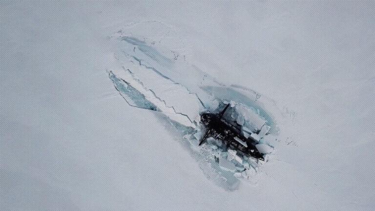 VIDEO: por primera vez en la historia, submarinos nucleares rusos emergieron por debajo del hielo en el Ártico