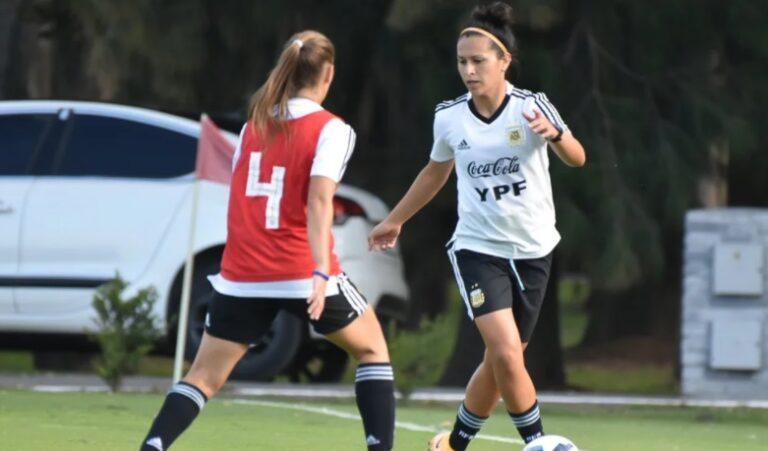 La Selección Argentina de fútbol femenino viajó a España para jugar la fecha FIFIA