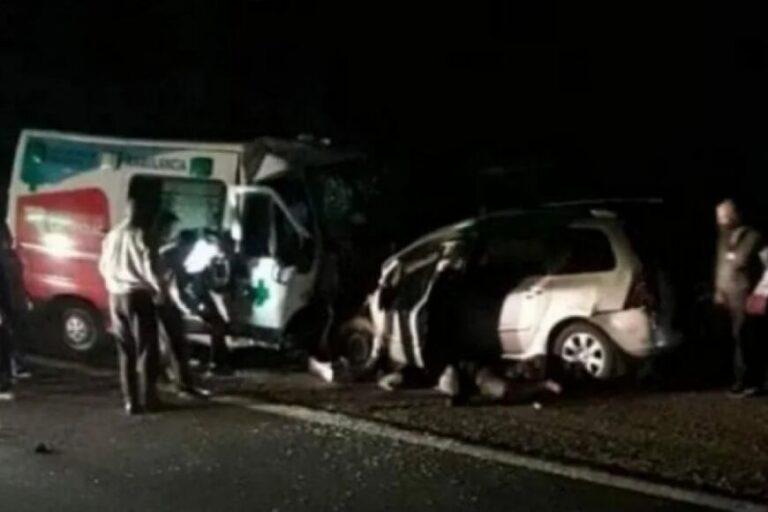 Nueve muertos por un choque frontal entre un auto y una ambulancia en La Rioja