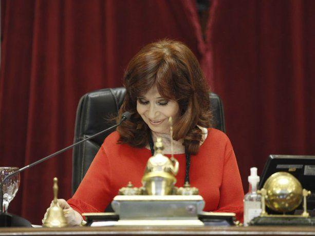 """CFK a senadores de la oposición: """"Se comportan como barrabravas"""""""