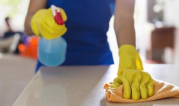 ¿Es necesario seguir limpiando las superficies para prevenir el contagio de Covid-19?