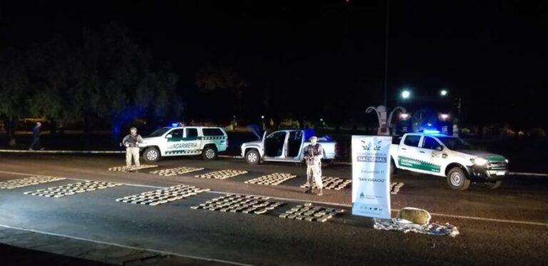 San Ignacio: hallaron una camioneta con más de 300 kilos de marihuana