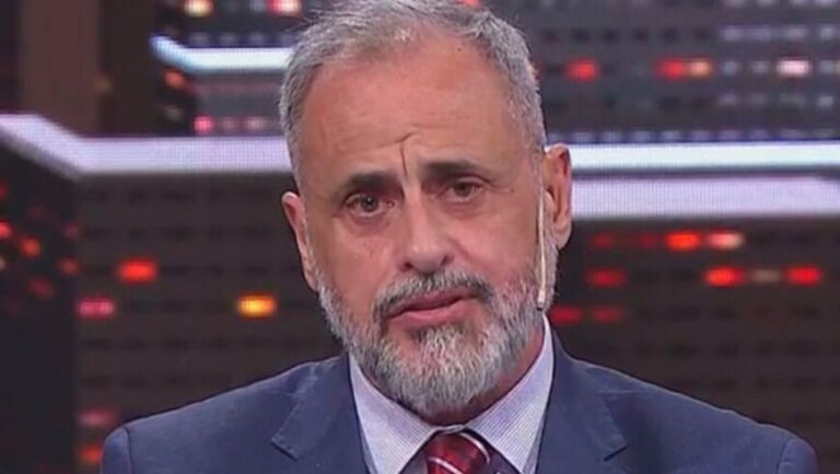 "A menos de dos meses de su inicio, Rial anunció el final de ""TV Nostra"""