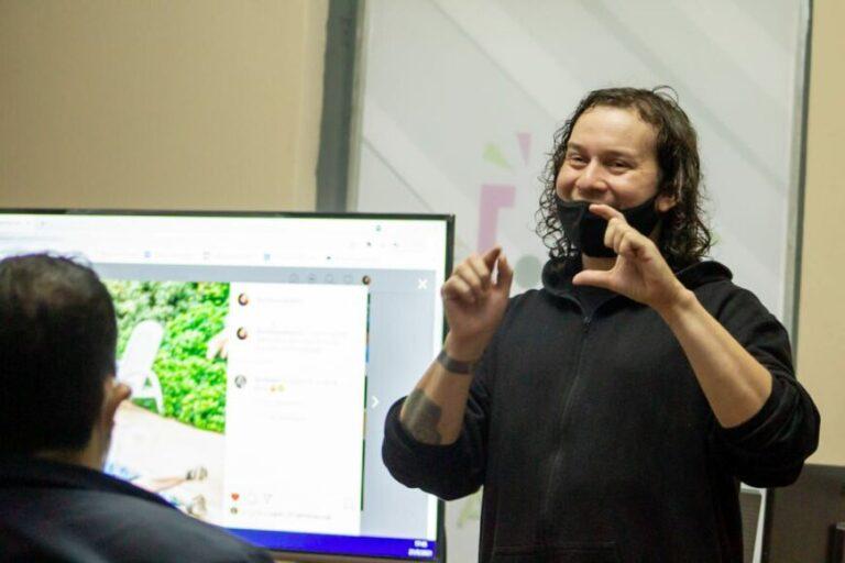 Ciudadanía Activa realizó un taller sobre fotografía destinado a emprendedores posadeños