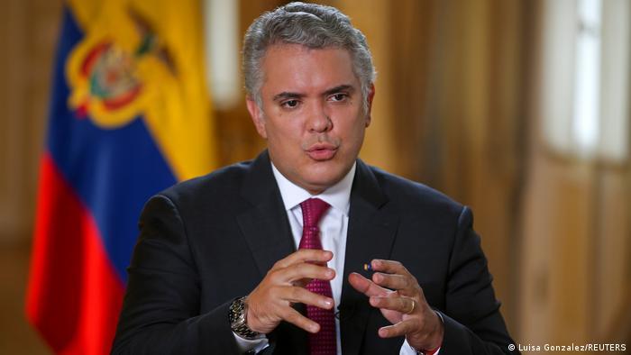 Atacaron a tiros al helicóptero en el que viajaba el presidente de Colombia