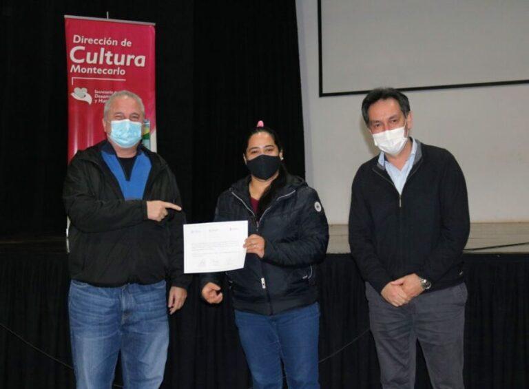 Montecarlo: docentes voluntarios que trabajaron en Centros de apoyo recibieron valoración