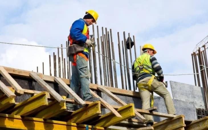 La construcción se contrajo un 3% intermensual en mayo