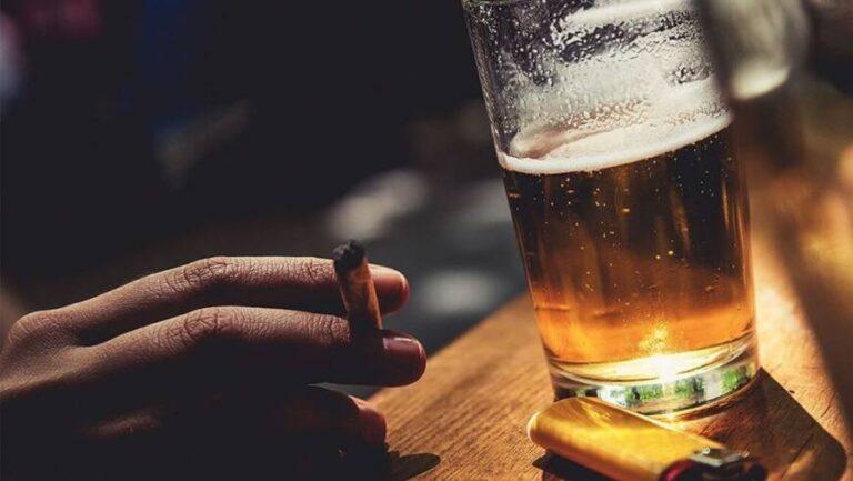 Uno de cada 25 casos de cáncer está vinculado al consumo de alcohol