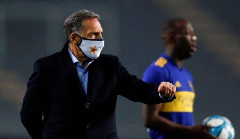 """Hinchas de Boca explotaron tras la derrota frente a Estudiantes: """"Andate Russo"""""""