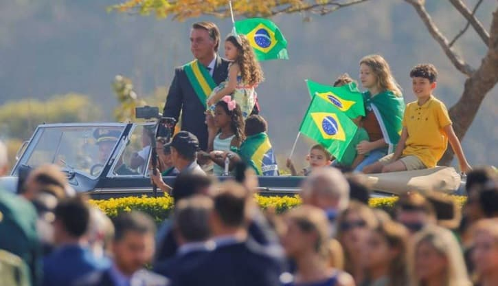 """Brasil: Bolsonaro dijo que """"solo Dios"""" lo sacará de la presidencia"""""""