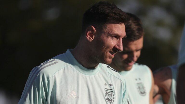 La Selección argentina hizo su primera práctica en Brasil