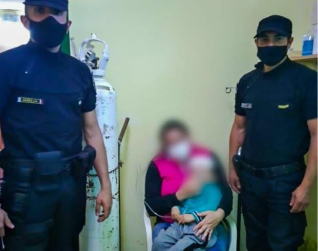 Policía reanimó a un niño que se descompensó en Candelaria